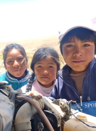 Bolivia altiplano kids